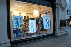 Selfridges London has devoted four of its window to the new in-store Denim Studio - thought to be the largest denim store in the world. The most prominent window, on the corner of Oxford Street and Orchard Street, has been converted into a photographic studio, featuring eight digital screens (driven by BrightSign players).