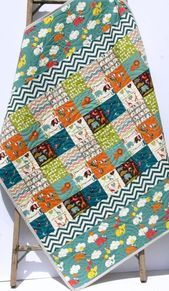 Organic Baby Quilt, Safari Soiree, Birch Fabrics, All Natural Eco Friendly Blanket, Zoo Animal Patchwork Elephant Giraffe Colchas Quilting, Quilting Projects, Quilting Designs, Sewing Projects, Modern Quilting, Baby Boy Quilts, Kid Quilts, Charm Pack Quilts, Baby Quilt Patterns