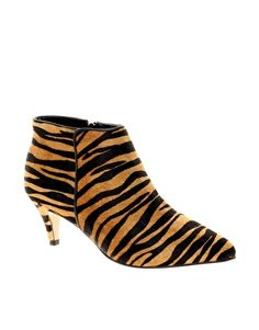 Buy Carvela Stripy Tiger Print Low Heel Shoe Boots at ASOS. With free delivery and return options (Ts&Cs apply), online shopping has never been so easy. Get the latest trends with ASOS now. Low Heel Shoes, Low Heels, Shoes Heels Boots, Heeled Boots, Boat Boots, Asos, Carvela Kurt Geiger, Only Fashion, Crazy Fashion