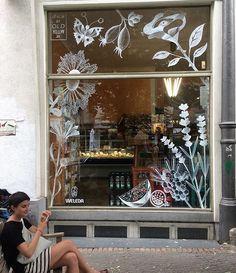Front Window Design, Shop Front Design, Vitrine Design, Front Doors With Windows, Berlin Mitte, Window Graphics, Store Interiors, Store Windows, Window Art