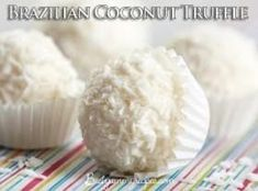 Mix the coconut milk and the honey in a sauce pan Toblerone, Raw Honey, Milk And Honey, Coconut Truffles, Coconut Recipes, Vegetarian Paleo, Shredded Coconut, Coconut Milk, Vanilla