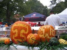 @Debbie Dabbs and @Jacqulyn McComas Cute idea for the OSU homecoming game on Halloween weekend!