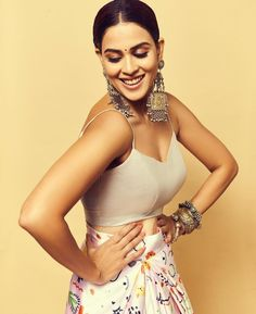Beautiful Models, Gorgeous Women, Genelia D'souza, Top Celebrities, Bollywood Actors, Beautiful Indian Actress, Indian Actresses, High Waisted Skirt, Fashion Outfits