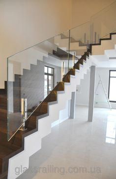 Glass Railing Стеклянное ограждение лестницы