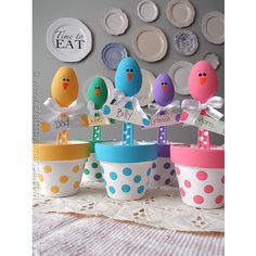 Easter Chick Craft: Colorful Place Holders ( These are plastic spoons!) How cute!!!!