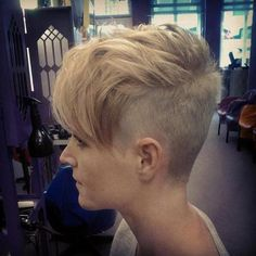 67 Most Trendy Pixie Short Hairstyle For Stylish Woman Love To Try This Season - Short Haircut 20 Undercut Hairstyles, Pixie Hairstyles, Pretty Hairstyles, Pixie Haircuts, Short Hair Dont Care, Short Hair Cuts, Hair Addiction, Blonde Haircuts, Great Haircuts