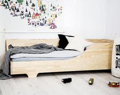 Single bed for kids CUBE 3 Pine wood House Frame Bed, Box Bed, House Beds, Cool Toddler Beds, Toddler Rooms, Scandinavian Kids Beds, Sofa Bed For Kids, Diy Lit, Canapé Simple