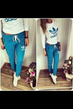 huge selection of dab96 0418c Ensemble Adidas bleu et blanc Blue Adidas Pants, Survêtement Adidas, Gold  Adidas, Adidas