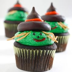 Adorable Witch and Scarecrow Cupcakes, perfect for your Halloween party.