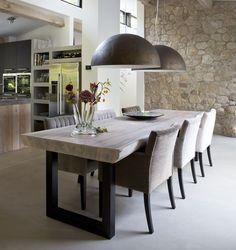 I like the kitchen with this dining place. Open spaces. Carien Hogeboom interieur en kleuradviezen