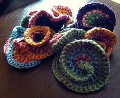 Great tutorial for starting freeform crochet. Plus, inspiring jumping-off ideas.