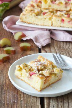 Rhabarberkuchen als einfacher Blechkuchen // rhubarb cake recipe - quick and easy to make // Sweets & Lifestyle®️️ #rhabarberkuchen #rhabarber #kuchen #rezept #blechkuchen #rhubarb #rhubarbcake #recipe #baking #sweetsandlifestyle
