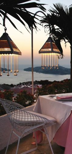 Romance reigns at Las Brisas Acapulco, a pink and white resort in the hills above Acapulco Bay.