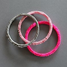 Crocheted bangels tutorial in German, easy to make tutorial with images