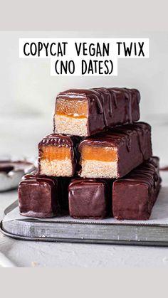 Healthy Vegan Desserts, Vegan Dessert Recipes, Vegan Sweets, Vegan Food, Raw Desserts, Vegan Meals, Healthy Eating, Vegan Chocolate, Chocolate Recipes