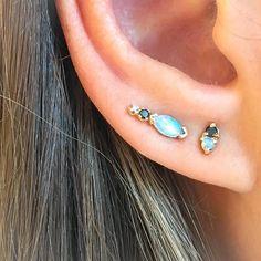 Opals & black diamonds Got me like, Schwing! 💫 @wwake #thegoldencarrothoboken #staygoldhoboken