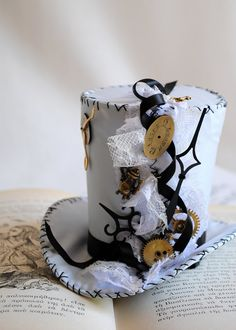 Steampunk Alice in Wonderland Tea Party Mini Top Hat Steampunk Hat, Steampunk Costume, Steampunk Clothing, Steampunk Fashion, Steampunk Wedding, Mad Hatter Hats, Mad Hatter Tea, Madd Hatter, Alice Tea Party
