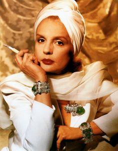 Carolina Herrera, photographed by Annie Leibovitz, 1986.