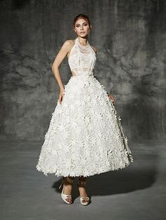 BESALU, yolancris, romantic, couture, dress, wedding, barcelona, bridal, gown, novia, vestido, bride, elegantes, atelier, modérons, originales, hechos a mano, artesanales, costura, couture gowns, tailored made, bespoke, best bridal designers, fashion, ele