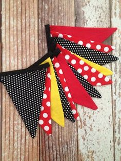 Fabric Bunting Banner Minnie Mouse Mickey by LalaBirdBoutique Mickey Mouse Clubhouse Birthday Party, Mickey Party, Mickey Mouse Birthday, Minnie Mouse Party, Mickey Mouse Crafts, Fiesta Mickey Mouse, Diy Birthday Banner, Diy Banner, Bunting Banner