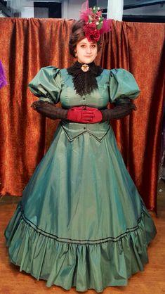 Victorian ladies bonnet costume fancy dress Dickensian carol singer blue taffeta