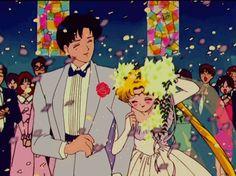 Sailor Moon and Tuxedo Mask wedding on We Heart It Sailor Moon Gif, Sailor Moons, Sailor Moon Y Darien, Sailor Moon Wedding, Sailor Moon Wallpaper, Sailor Uranus, Sailor Moon Aesthetic, Aesthetic Anime, Gatomon