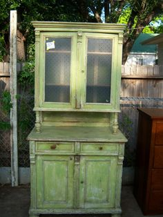 Old Is Better Than New - Primitive Rustic Antique Furniture Milk Paint Furniture, Distressed Furniture Painting, Green Furniture, Cottage Furniture, Painted Furniture, Painted Hutch, Colonial Furniture, Primitive Furniture, Antique Furniture