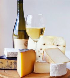 guide for creating delicious #wine and cheese combinations!