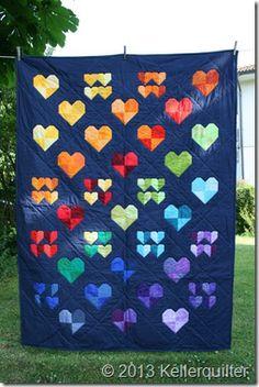 """Spendenquilt aus einer """"Herzen-Wundertüte"""" genäht und gequiltet von Patchmoni."""