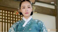 "Hong Soo-hyun as Queen Inhyeon in ""Jang Ok-jung, Living by Love"""