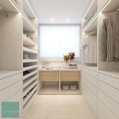 Outra vista desse #closet MARR incrível 🤩🥰 uma base toda trabalhada do branco e detalhes no Carvalho treviso @berneckoficial que eu nem AMO…
