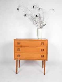 Such a neat little drawer chest #midcentury