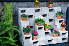 Si amas las plantas pero no tienes un jardín amplio para sembrarlas, no desesperes, porque puedes utilizar una pared libre para lucirlas. Sí has leído bien, un nuevo método de plantación propone de…