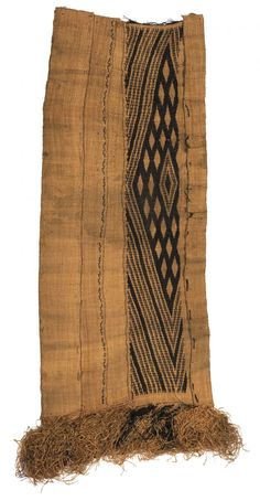 Raffia, natural dye, embroidered design - Made of one piece and folded on iteself, the use or purpose is unknown Motifs Textiles, Weaving Textiles, Textile Fabrics, Textile Prints, Textile Patterns, Textile Design, Lino Prints, Floral Patterns, Block Prints
