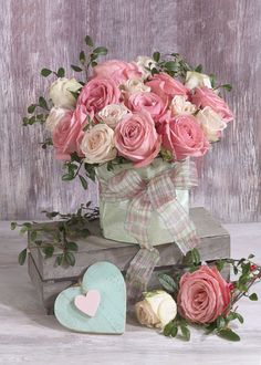 Amazing Flowers, My Flower, Beautiful Roses, Flower Art, Beautiful Flowers, Flower Background Wallpaper, Flower Backgrounds, Beautiful Flower Arrangements, Floral Arrangements