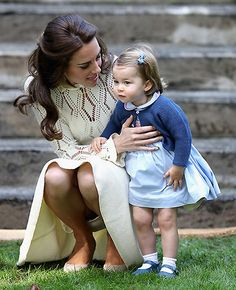 Princess Charlotte channels big brother's style in matching cardigan - Foto 1