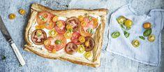 Helppo, näyttävä ja herkullinen. Tämä tuoreilla tomaateilla viimeistelty piiras on kesän hittiruokaa. Noin 1,40 €/annos*