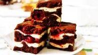 Brownies s tvarohom a s višňami - Mňamky-Recepty. Czech Recipes, My Recipes, Sweet Recipes, Cookie Recipes, Hungarian Recipes, Russian Recipes, Cheesecake, Cream Cheese Brownies, Sweet Pastries