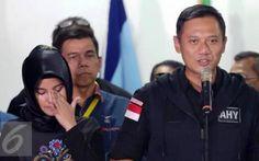 Riau Book - Tetesan air mata Annisa Pohan tak terbendung setelah pasangan nomor urut 1 Agus Harimurti Yudhoyono-Sylviana Murni (Agus…
