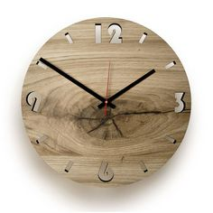 Holz-Wanduhr Eiche Eichholz rund natur Round oak wood clock: Each clock is unique, so you can be sure that your clock will never be there again. It does not matter to you, not bad either, because a pr Wall Clock Oak, Diy Clock, Wood Clocks, Wood Shop Projects, Wooden Pallet Projects, Wooden Pallets, Desktop Gadgets, Decoration Originale, Wood Interiors