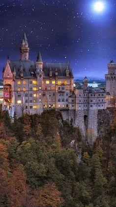 Neuschwanstein-Schloss-Bayern-Deutschland - - We found hogwarts Beautiful Castles, Beautiful Buildings, Beautiful World, Beautiful Places, Fantasy Castle, Fairytale Castle, Places Around The World, Around The Worlds, Places To Travel
