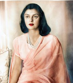 The late Maharani Gayatri Devi made a simple strand of pearls into a classic statement. 'Repin' if she is one of your fashion icons.