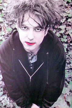 Robert Smith only seeing a pair of sneakers down there would be more gorgeous