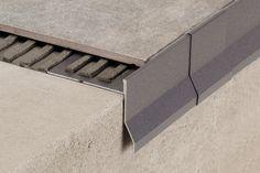 Oggi parliamo di una novità nell'ambito dei profili per balconi e terrazze Cerfix® Protec.  Vediamo di cosa si tratta Tile Design, Terrazzo, Deco, Facade, Flooring, House, Construction, Stone, Blog