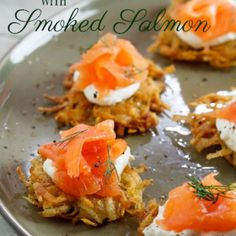 Starters & Canapés: Rösti with Smoked Salmon & cream cheese - Simply Delicious Smoked Salmon Canapes, Smoked Salmon Cream Cheese, Cream Cheese Potatoes, Lemon Potatoes, Quick Dinner Recipes, Starters, Food And Drink, Appetizers, Yummy Food