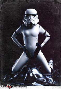 Latex Stormtrooper, el lado oscuro es tentador