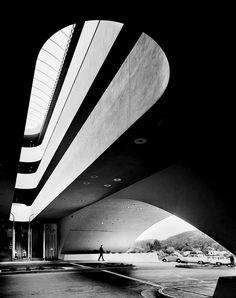 Marin County Civic center, san rafael, Calif., Frank Lloyd Wright 1963
