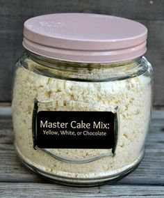 Master Cake Mix: (makes about 17 cups mix)- 10 C. flour, 6 C. sugar, 1 C… Homemade Cake Mixes, Homemade Spices, Homemade Seasonings, Homemade White Cake Mix Recipe, Cupcake Cakes, Cupcakes, Bolo Cake, Cake Mix Recipes, Dry Cake Mix Recipe