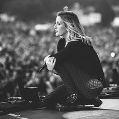 Beautiful pic of Ellie Goulding Ellie Goulding, Celebrity Travel, Celebrity Photos, Celebrity Style, Girl Celebrities, Celebs, Les Charts, Firefly Music Festival, Star Wars