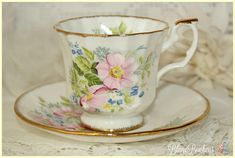 Elizabethan England: Tea cup & saucer with hand painted